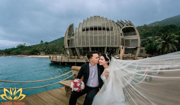 Chụp ảnh cưới dã ngoại MEDI Thiên Sơn