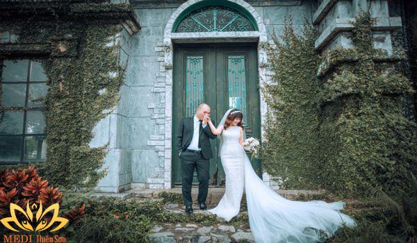 Chụp ảnh cưới Hà Nội tại Smiley Ville