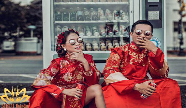 Chụp ảnh cưới ngoại cảnh cổ trang