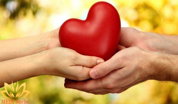 Chia sẻ yêu thương đến mọi người