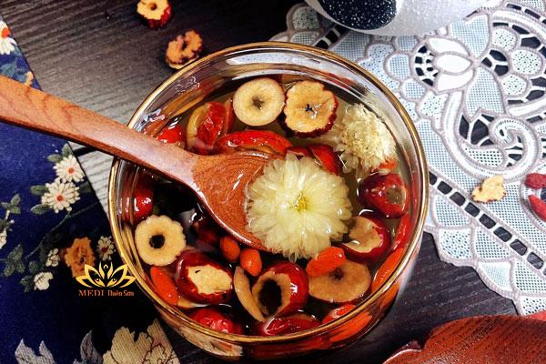 Trà dưỡng nhan hoa cúc táo đỏ